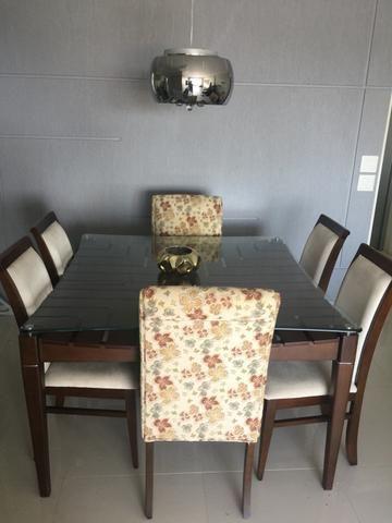 Mesa de jantar em madeira de lei + 6 cadeiras excelente estado - Foto 2