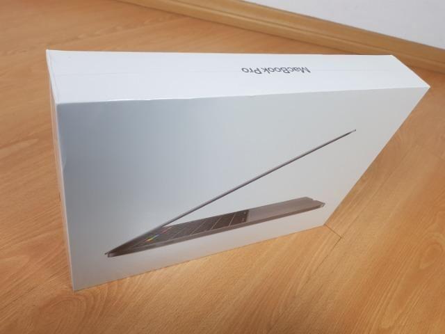"MacBook Pro 2019 Touchbar 13"" 1.4Ghz 8Gb RAM - Space Gray - Novo, lacrado - Foto 2"