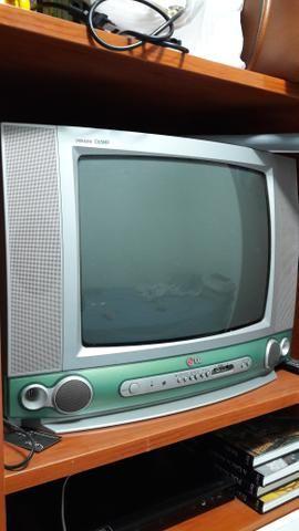 TV de tubo com controle