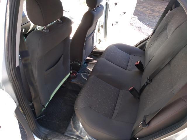 Corsa Sedan Premium 1.4 (Flex) - Foto 9