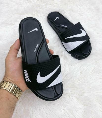 3b1aed01d0 ... chinelos nike e adidas