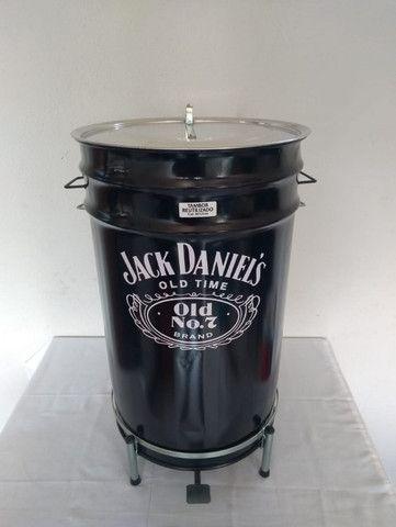 Lixeiras Cervejeiras metálicas personalizadas 60 litros - Foto 3