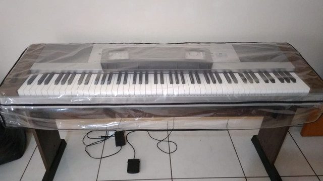 Piano Digital Yamaha DGX640 - Foto 3