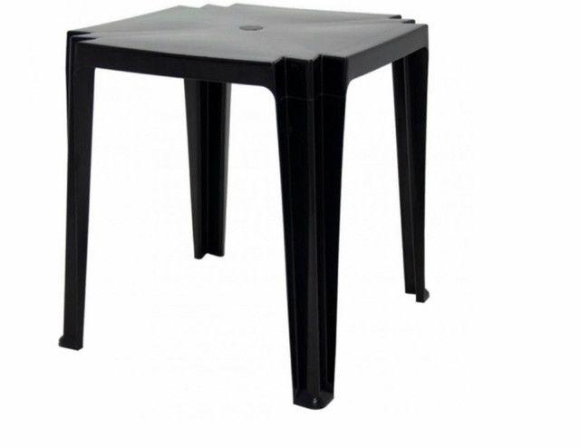 Mesa com 4 cadeiras plástico preta  - Foto 2