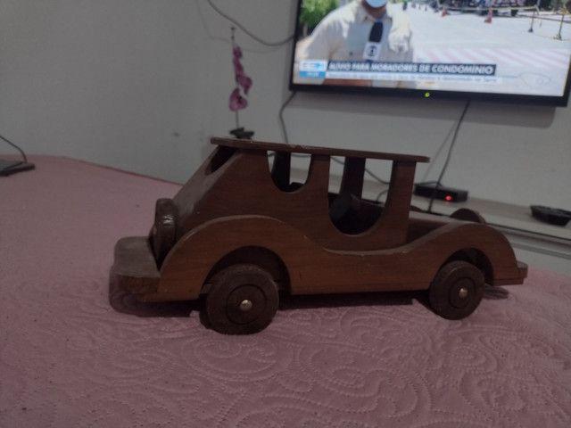 Carro para decoração em pura madeira