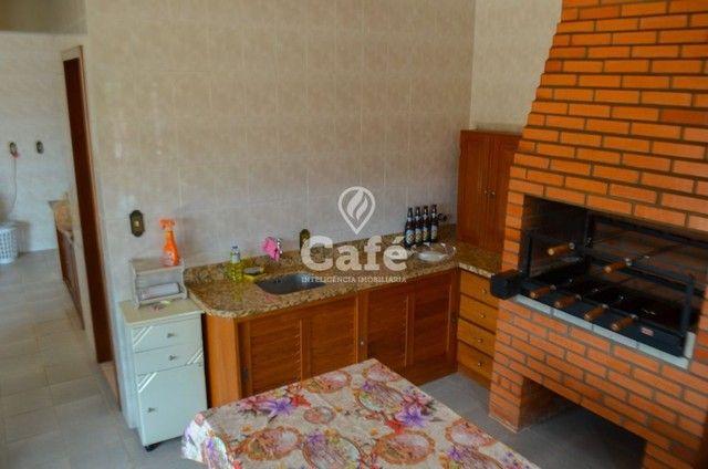 Prédio/Casa Residencial, 4 dormitórios, Bairro Menino Jesus, pátio - Foto 12