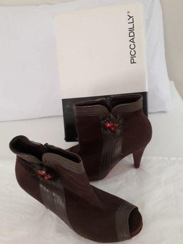 kit  com três  03  pares de sapatos  femininos marcas picadilly e usaflex n 35  como novas - Foto 3