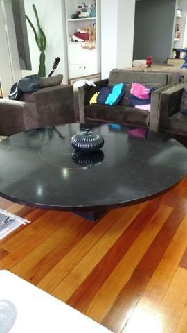 Tampo redondo de mesa de madeira, com centro giratório
