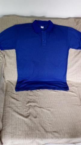 Camisas polo masculina e feminina