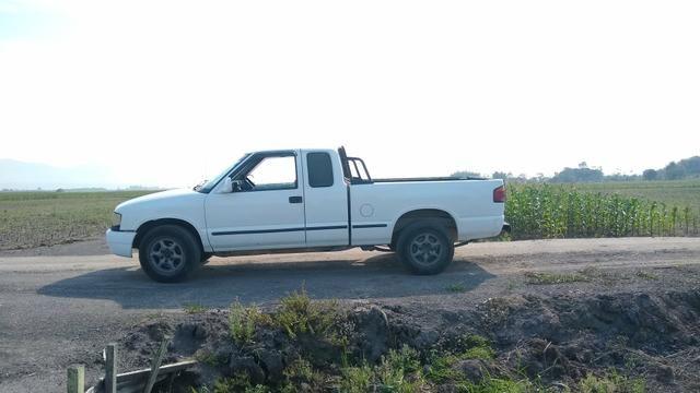 Vendo S10 1996 cabine extendida gasolina 2.2 - Foto 9