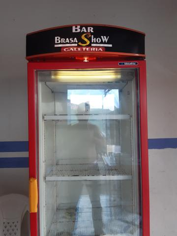 Vendo freezer vertical,1200,00