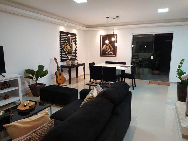 Casa de condomínio, possui 124 m2 com 3 quartos sendo 2 suítes e 1 semi-suíte - Foto 4