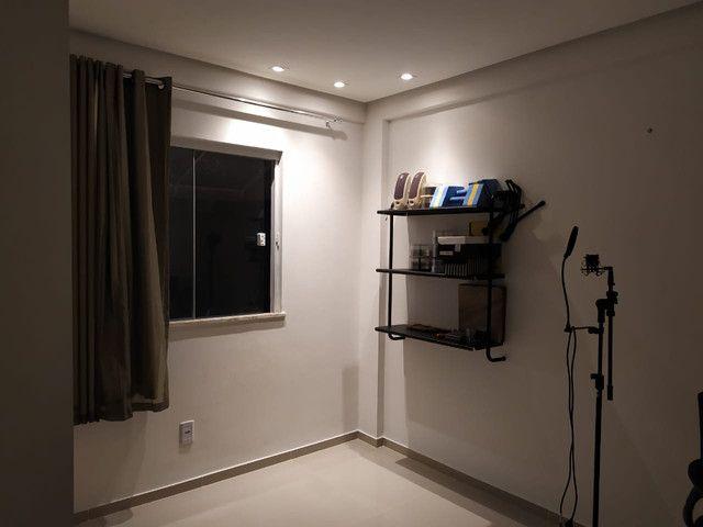Casa de condomínio, possui 124 m2 com 3 quartos sendo 2 suítes e 1 semi-suíte - Foto 6