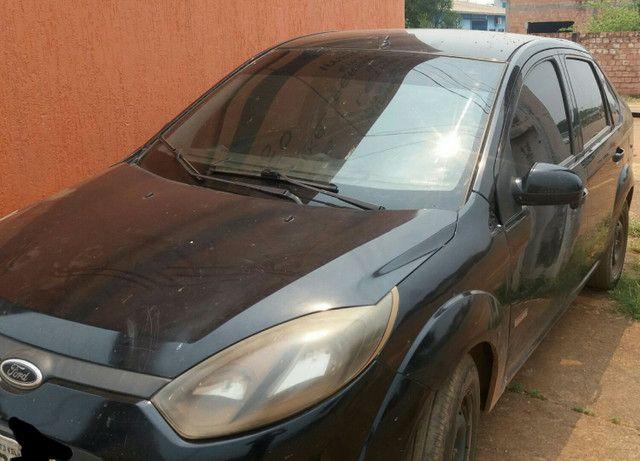 Fiesta sedan 10/11 - Foto 2