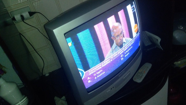 "TV 20"" Phillips - Foto 3"
