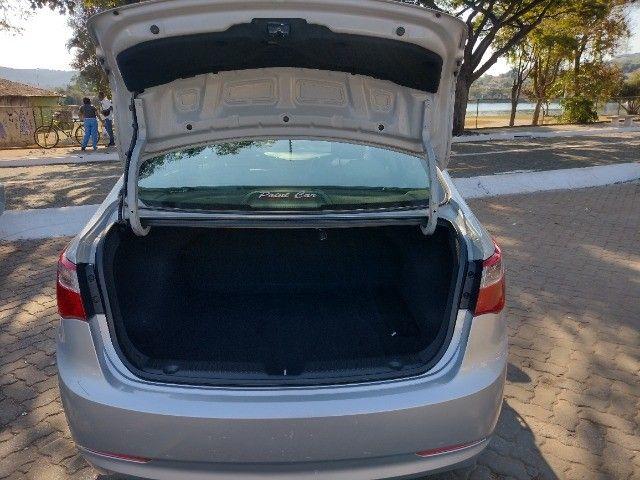 Hyundai HB20S 1.0 Comfort Plus 2014 - Foto 13
