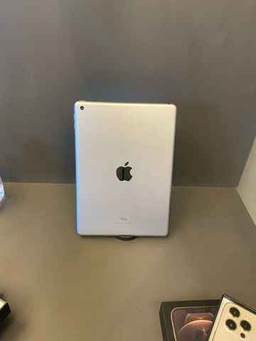 iPad, 6g, 32gb Space Gray (SEMI-NOVO)