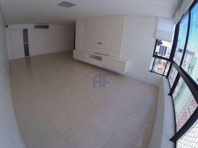 Apartamento com 3 quartos sendo 2 suítes (1 máster) - Edifício Ana Lins - Ponta Verde