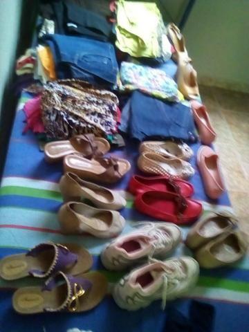 404fa6332 Roupas é sapatos para bazar - Roupas e calçados - Arapoanga ...