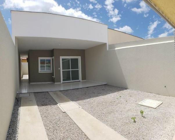 Casa com 3 quartos garagem para 2 carros e Varanda bem espaçosa com Documentação Grátis - Foto 3