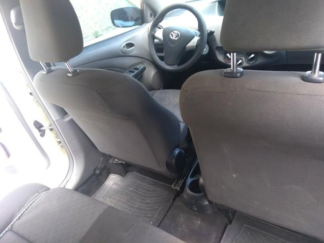 Vendo carro Etios sedan XLS, completo! 2012/2013 - Foto 4