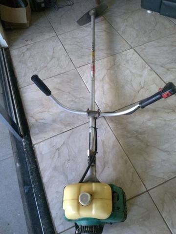 Vendo Roçadeira Makita com carburador de 160 - Foto 3