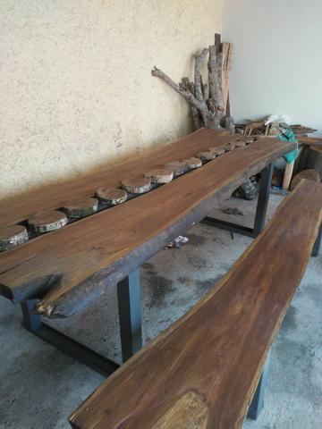 Mesa rústica de pranchao