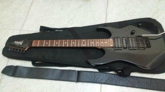 Guitarra Ibanez Gio com capa correia e cabos