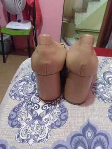 01 par de sapatos - Foto 2