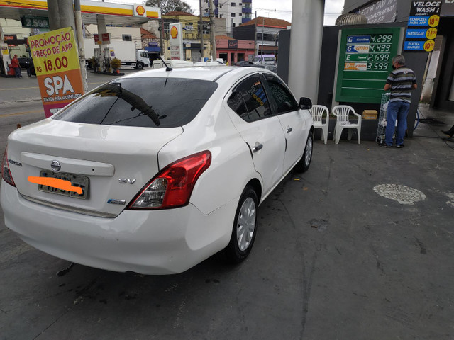 Nissan Versa SV 1.6 GNV Legalizado - Foto 4