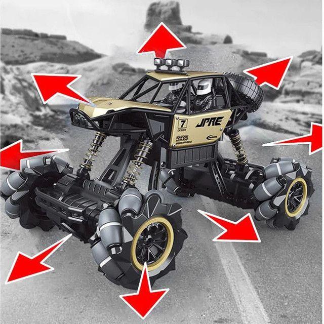 Brinquedo Carrinho Jeep controle remoto 4x4 giro 360 relógio sensor  - Foto 3