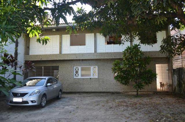 Casa com 4 quartos sendo 1 suite na Várzea em frente à UFPE