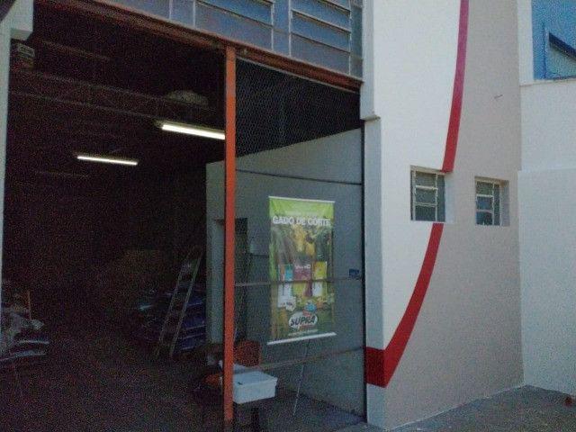 Vendo barracão no Jd. Maracanã - Foto 2