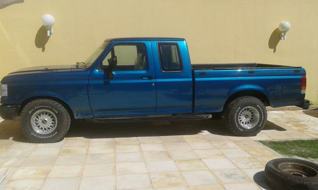 FORD F1000 SUPERCAB