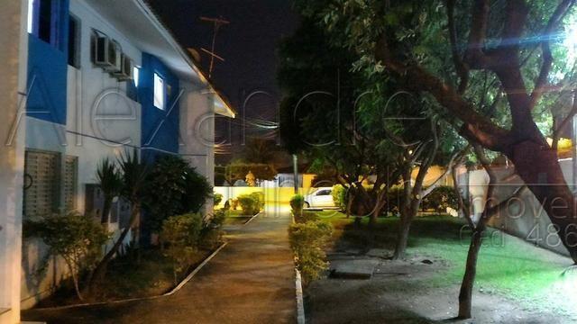 Apartamento com móveis e eletros 2 dormitórios no condomínio Vila Madalena - Maceió