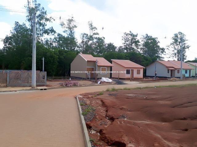 Casa 2 dormitórios com pátio grande, em Nova Santa Rita - Foto 6