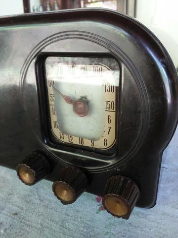 Radio antigo valvulado caixa de Baquelite Argentino - Foto 2