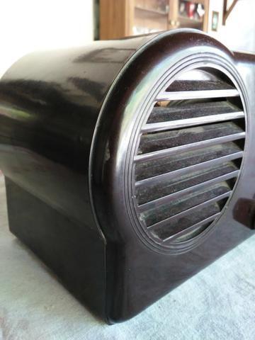 Radio antigo valvulado caixa de Baquelite Argentino - Foto 3