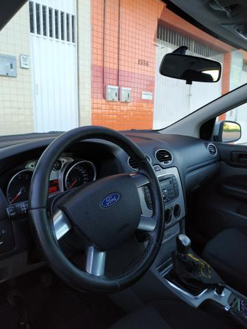 Ford Focus GLX 1.6 Hatch - Foto 8