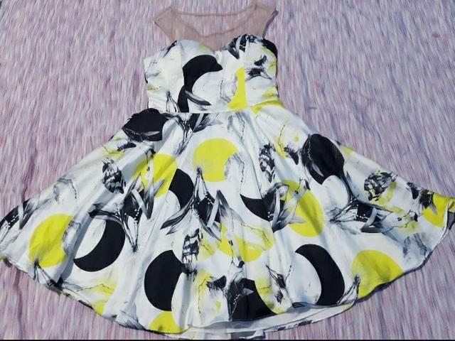 Vendo dois lindos vestidos!!