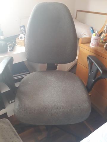 Cadeira giratória cinza - Foto 2