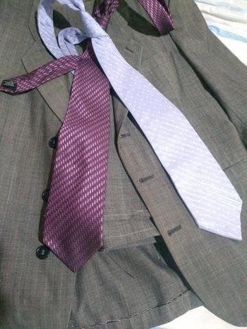 Terno: Calça N° 36 e Blazer N° 42 . Blazer preto: N° 44 + 2 gravatas - Foto 6