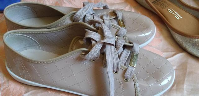 Sandalias e sapatos - Foto 2
