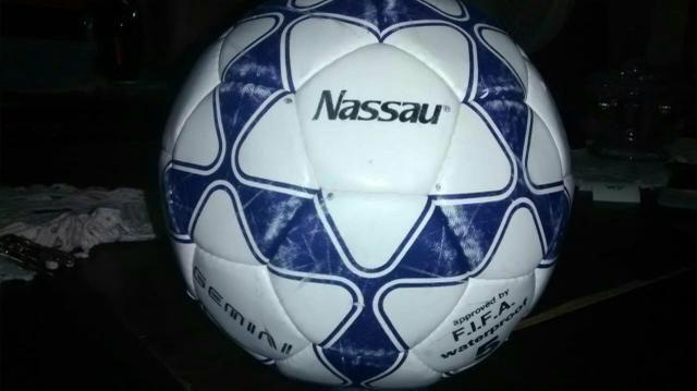 Bola oficial alemã de futebol de campo para colecionadores - Hobbies ... 4c63e53081ad0
