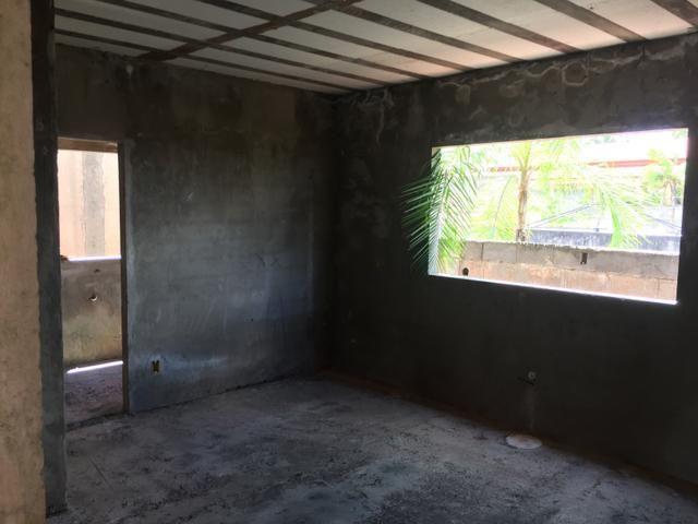 Casa inacabada de 3 qtos na entrada da Arniqueiras quadra 4 - Foto 10
