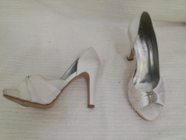 3df5dc896 Sapato Branco Casamento ou Festa - nr 35 - Roupas e calçados - Vila ...