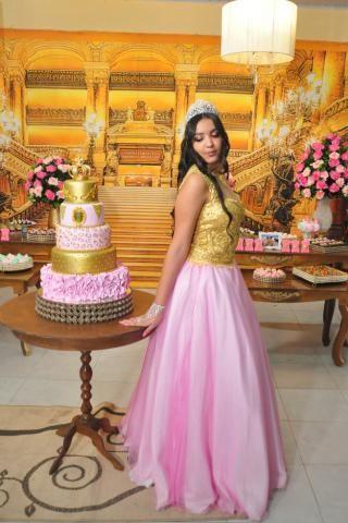 c09d854c0 Vestido para 15 anos 2 em 1 corpete dourado, saia rosa bebe longa e curta
