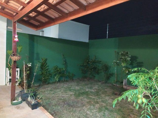 Casa de condomínio, possui 124 m2 com 3 quartos sendo 2 suítes e 1 semi-suíte - Foto 16