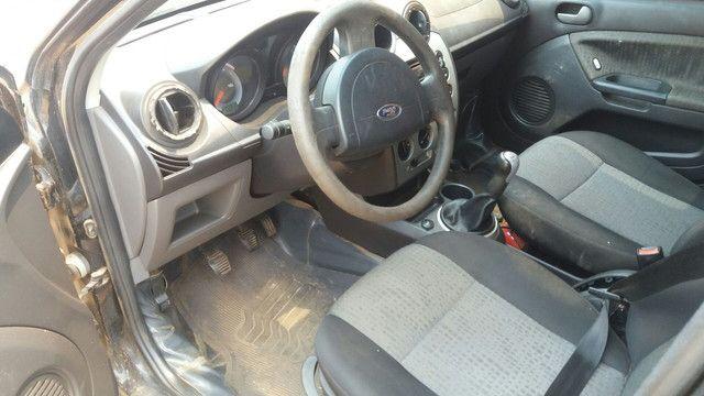 Fiesta sedan 10/11 - Foto 4