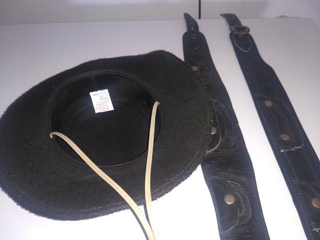 Chapéu de criança.e cinto.valor .70 reais